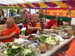 Geshe Thinley Visited the Lao Temple for Lao New Year